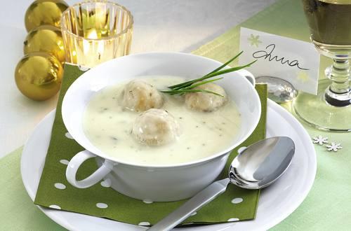 Knorr - Blumenkohl-Broccoli-Suppe mit Mandel-Käse-Klößchen