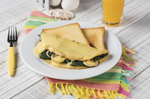 Omelette de Espinacas en Salsa de Elote