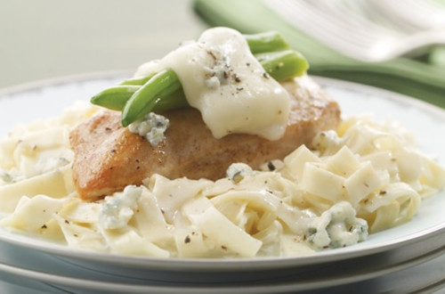 Chicken & Green Beans with Alfredo-Blue Cheese Pasta