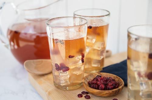 Mango Iced Herbal Tea with Cranberries