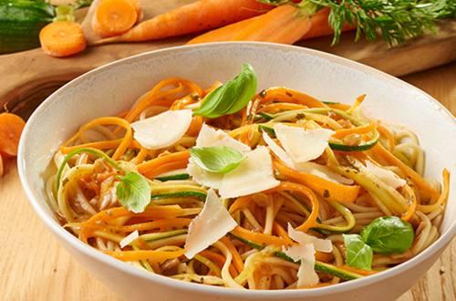 Spaghetti met wortel en courgette