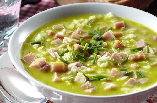 Soupe repas de courgette et de jambon