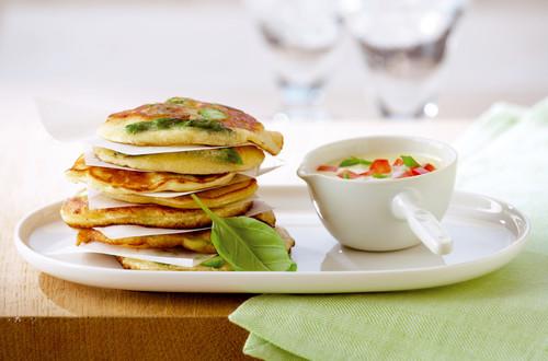 Cookies d'asperges à la sauce tomate et basilic