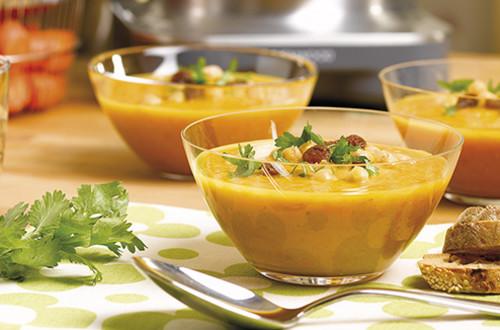 Soupe de carottes et de pois chiche à l'Orientale