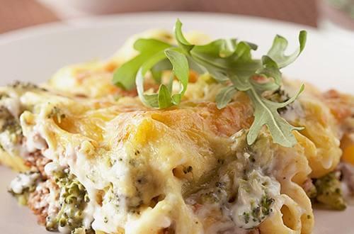 Lasagnes aux brocolis et à la mozzarella