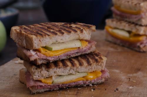 Hellmann's - Gegrilltes Schinken-Käse-Sandwich