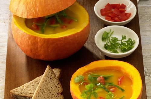 Knorr - Kürbissuppe mit Chili und Koriander
