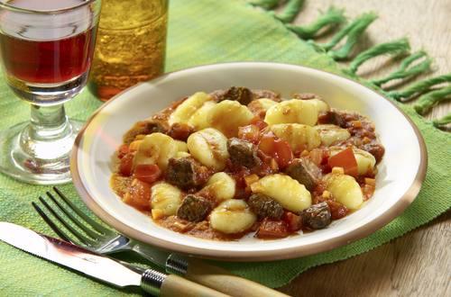 Knorr - Gnocchi mit scharfem Rindersugo