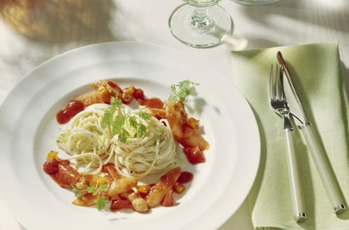 Spaghettini mit Spargelratatouille