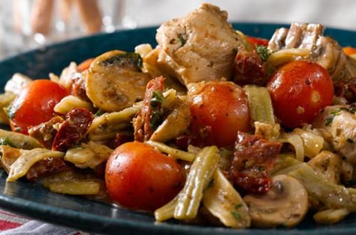 Chicken & Sun-Dried Tomato Fettuccine