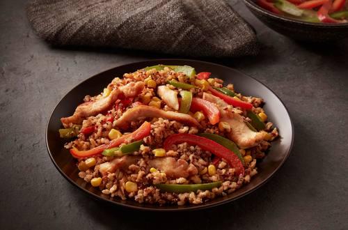 Pollo con arroz integral y quinoa estilo Southwestern