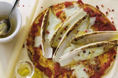 Knorr - Tortilla-Pizza mit Chicorée und Gorgonzola