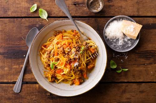 Knorr - Spaghetti Bolognese mit orangen Tomaten