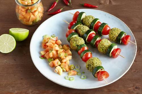 Knorr - Papaya-Chutney mit Quinoa-Gemüsespießen