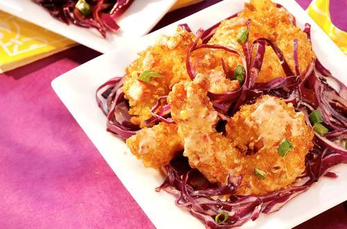 Camarones con ensalada asiática de col