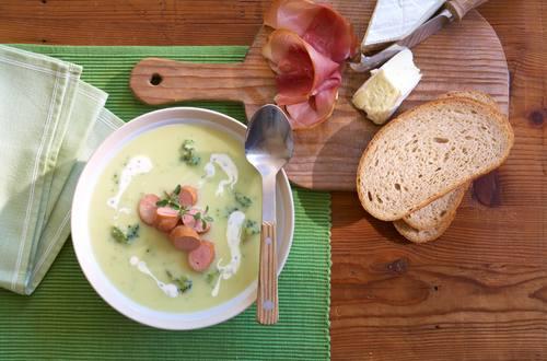 Knorr - Blumenkohl-Brokkolisuppe mit Würstchen