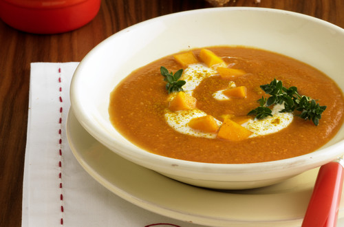 Tomaten-Kuerbis-Curry-Suppe