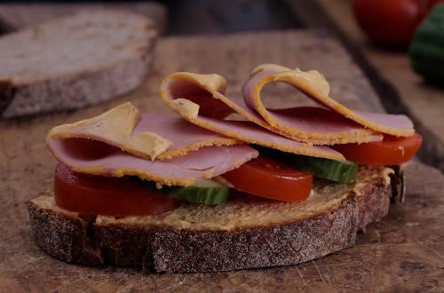 Hellmann's - Schinken Sandwich mit American Style Honey Mustard