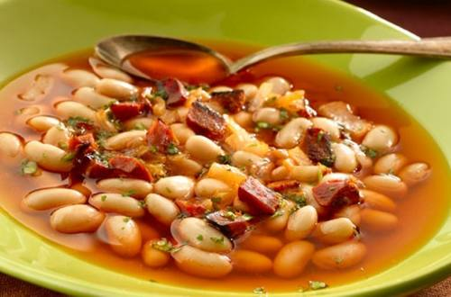 Sopa De Frijoles Blancos Con Chorizo