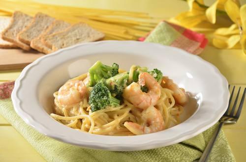Espagueti con Camarones en Salsa de Queso