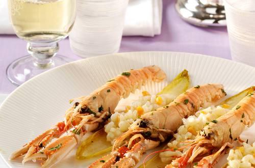 Langoustines au risotto et chicons caramélisés
