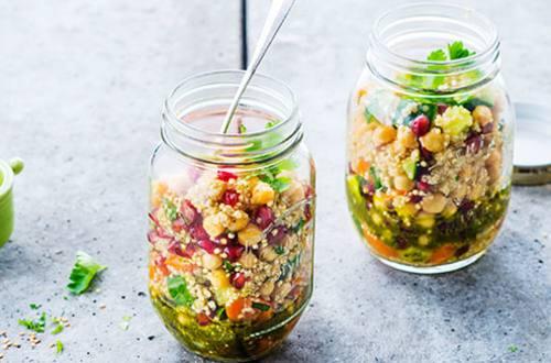 Oriëntaalse quinoa salade