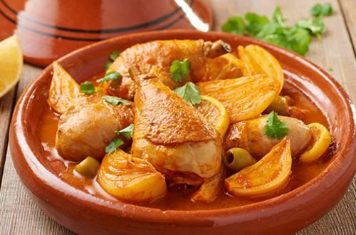 Tagine met kip, citroen en olijven