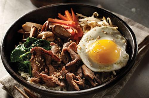 Korean Rice Bowl with Beef (Bibimbap)