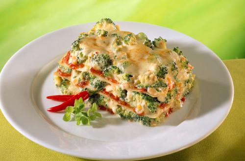 Feurige Broccoli-Tomaten-Lasagne Bildausschnitt