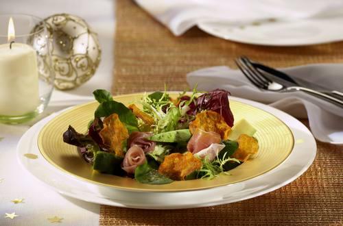 Knorr - Blattsalat mit Avocado und Süßkartoffel-Chips