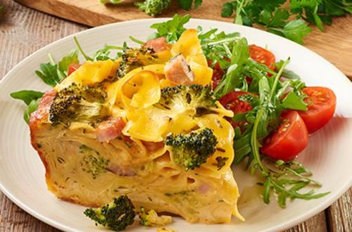 Pastataart met ham en broccoli