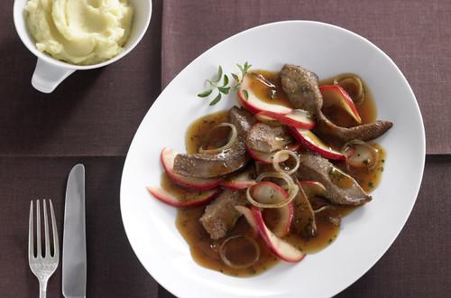 Kalbsleber_in_Apfel-Zwiebel-Sauce