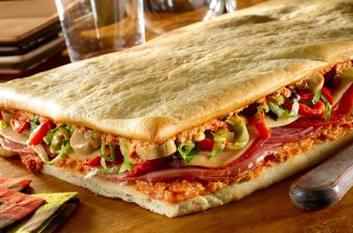 Entremés de sándwich con masa para pizza
