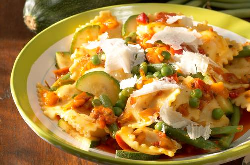 Knorr - Ravioli mit Tomaten-Gemüsesauce