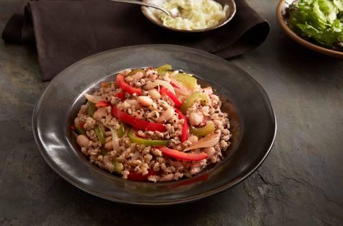 Haricots blancs, poivrons & oignons riz brun & quinoa