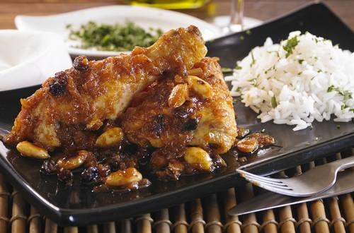Pollo con almendras marroqui