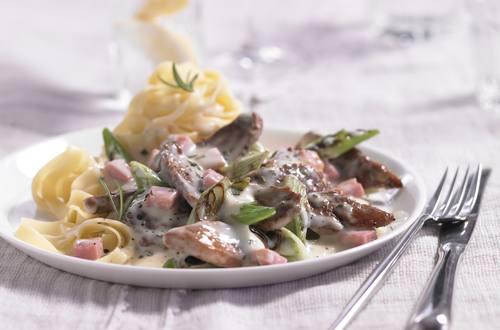 Knorr - Schweins-Geschnetzeltes alla Carbonara mit Frühlingszwiebeln