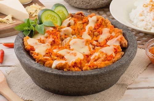 Ayam geprek gledek saus keju