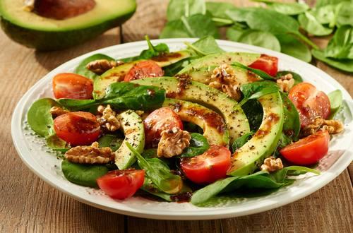 Knorr_Spinat_Avocado_Salat