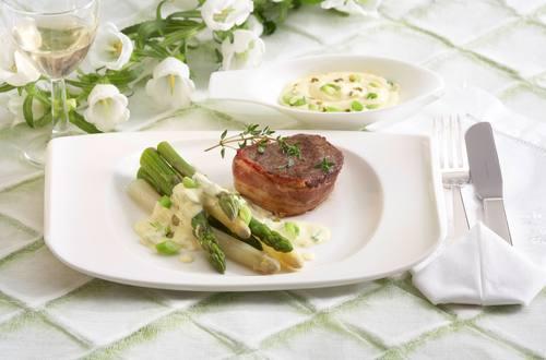 Knorr - Rindermedaillons mit Spargel und Pfeffer-Sauce