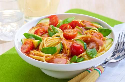 Knorr - Spaghetti Bolognese mit frischem Gemüse