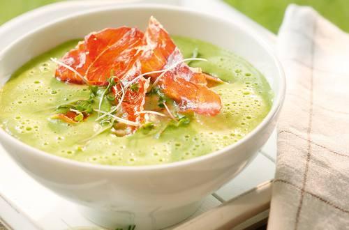 Knorr - Buttermilch-Kresseschaumsuppe mit Prosciutto, Sellerie und Kartoffeln
