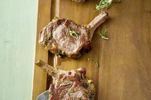 Lammkoteletts provencale