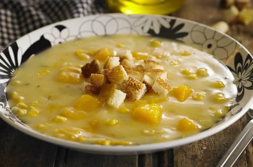 Sopa de zapallo a la crema de queso