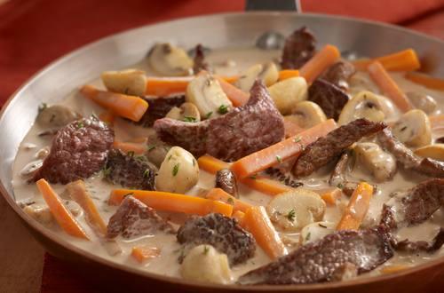 Knorr - Rindergeschnetzeltes mit Kartoffeln, Karotten und Champignons