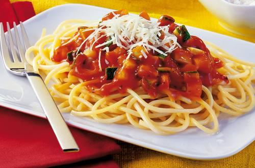 Spaghetti mit Gemüsesugo Ausschnitt