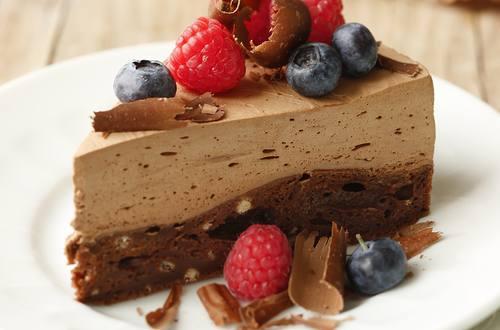 Schokoladenmousse-Tarte mit Beeren