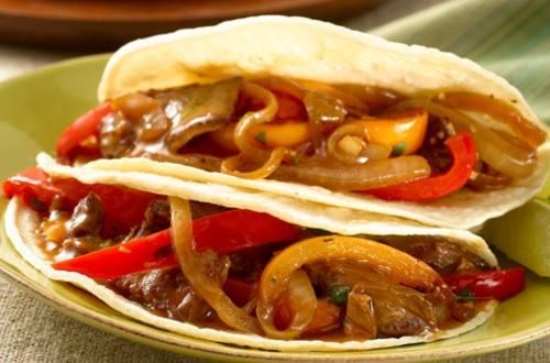 Fajitas au Bifteck avec Sauce