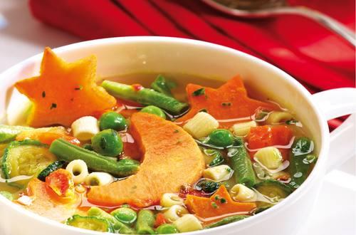 Gemüsesuppe mit Süßkartoffelmonden