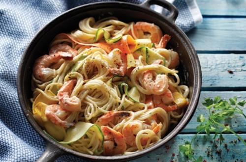 Pâtes avec Crevettes et Rubans de Légumes
